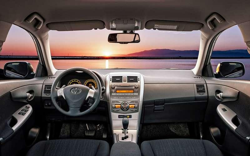 Toyota Corollaспробегом: 3плюса, 3минуса