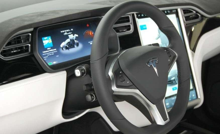 2016-Tesla-Model-X-123-876x535