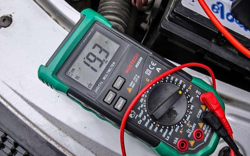 Заводим мотор без аккумулятора— эксперимент «Зарулем»