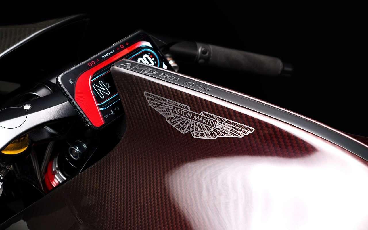 Aston Martin тестирует 180-сильный спортбайк— фото 1142203