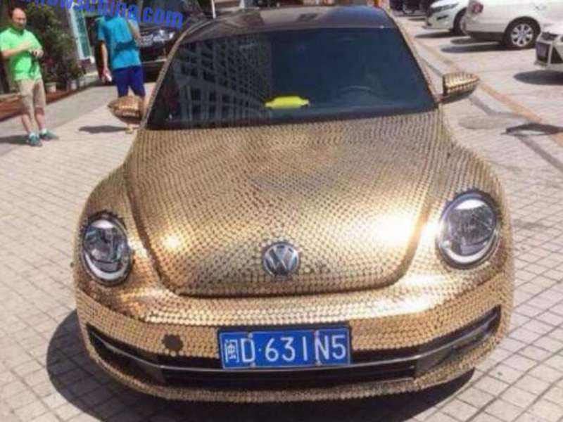 china-volkswagen-beetle-covered-in-coins-is-so-money_1