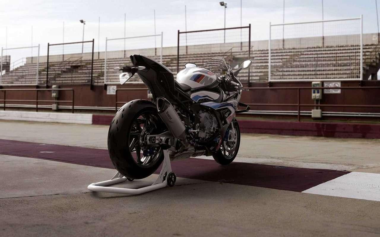 BMWпоказала 212-сильный супербайк BMW M1000RR— фото 1171133