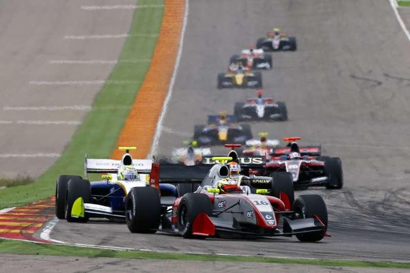 AUTO— WORLD SERIES RENAULT MOTORLAND 2012