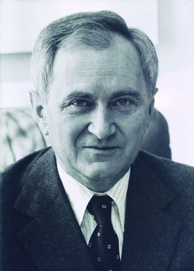 Доктор Эрнст Фурманн (21.10.1918— 6.2.1995гг) сноября 1976 года подекабрь 1980 года занимал должность председателя правления Porsche AG