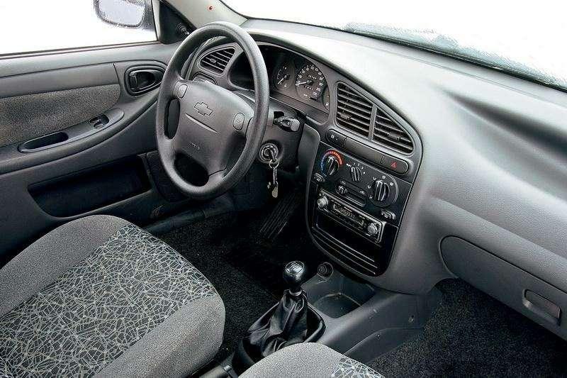 Блицтест Lada Priora, Chevrolet Lanos: Кредит доверия— фото 345004