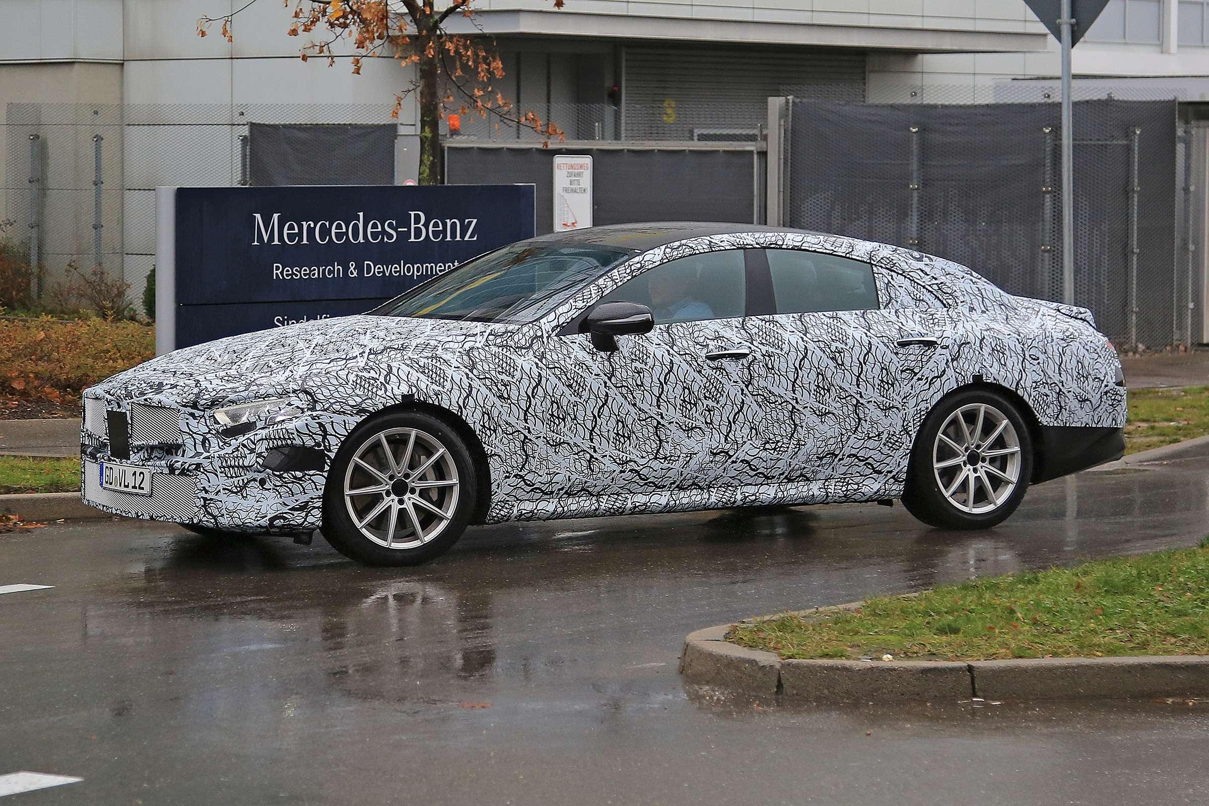 «Банан» номер три: Mercedes-Benz CLS продаст имя, нонедушу— фото 667982