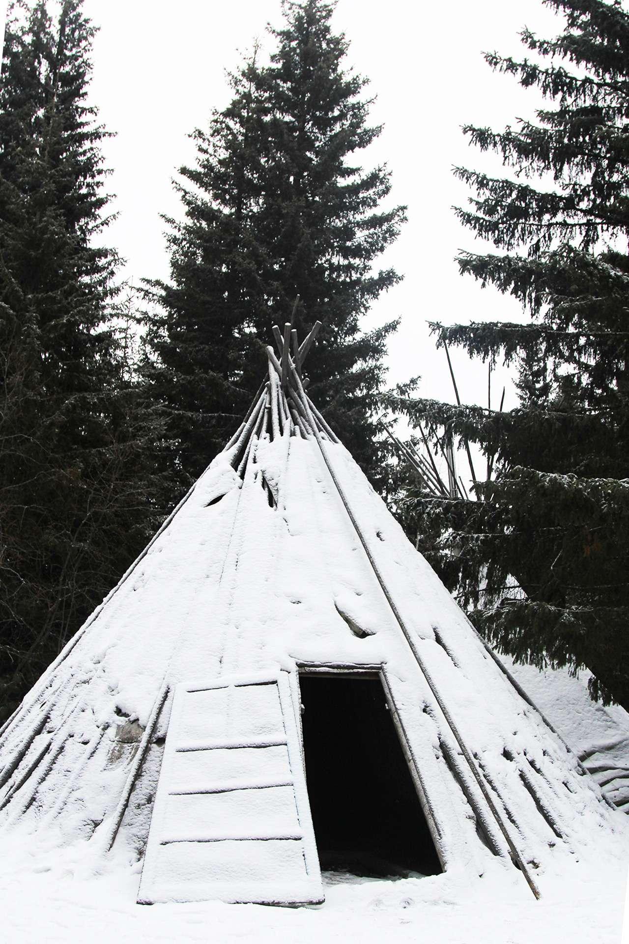 Кроссоверы Hyundai вСибири: этнографическая экспедиция— фото 837103