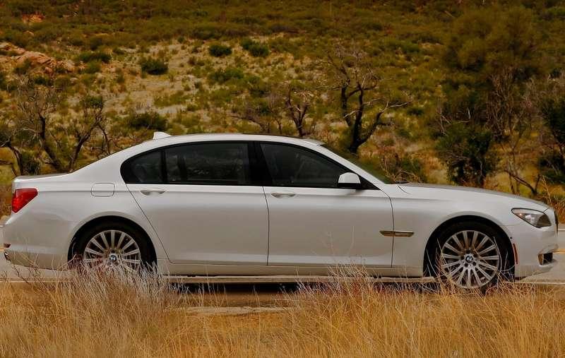 BMW-750Li_2011