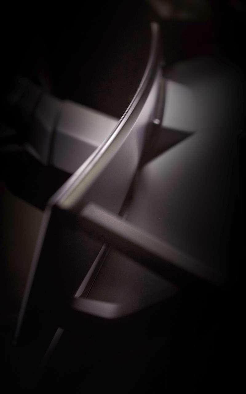 Будущее поBMW: один гигантский «парящий» дисплей