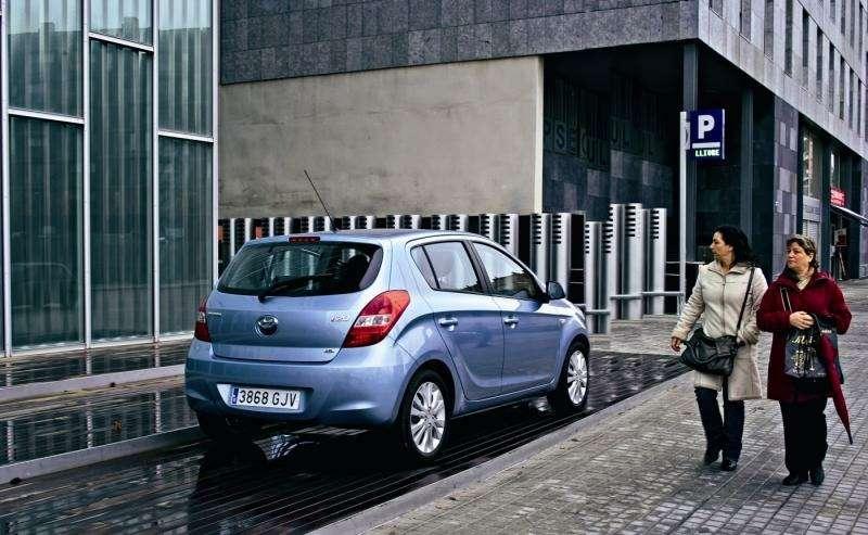 Hyundai i-20: Обращение кпрошлому— фото 92328
