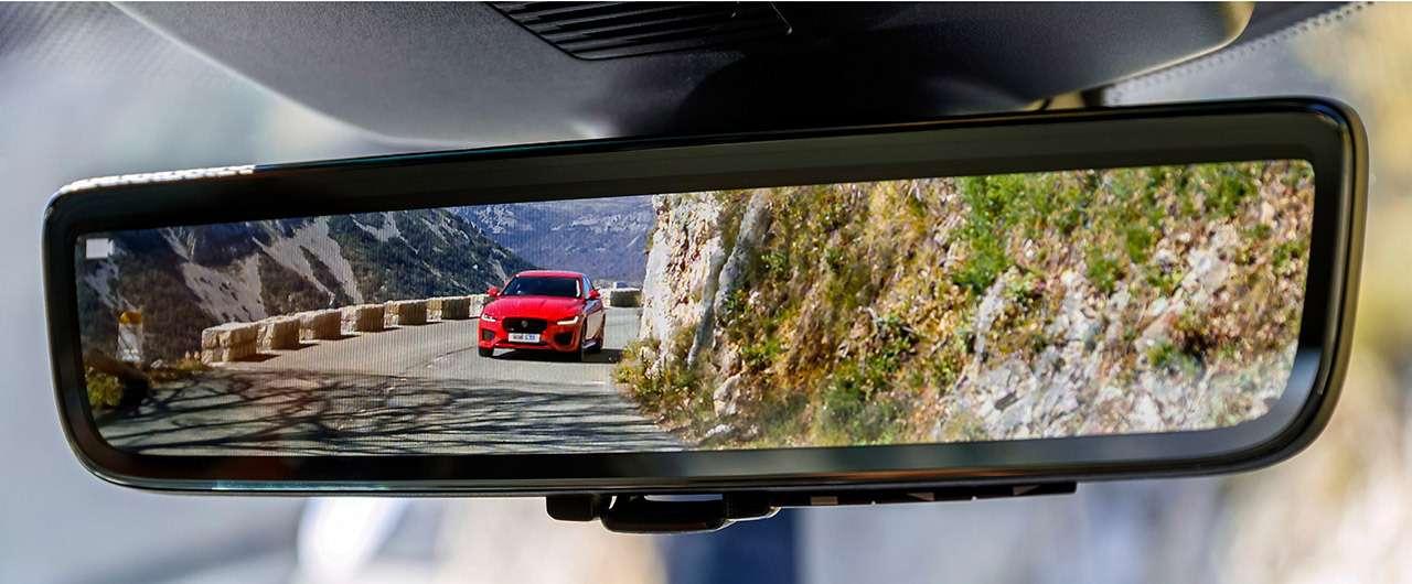 Двеобновленные модели Jaguar: вРоссию приедет только одна— фото 975497