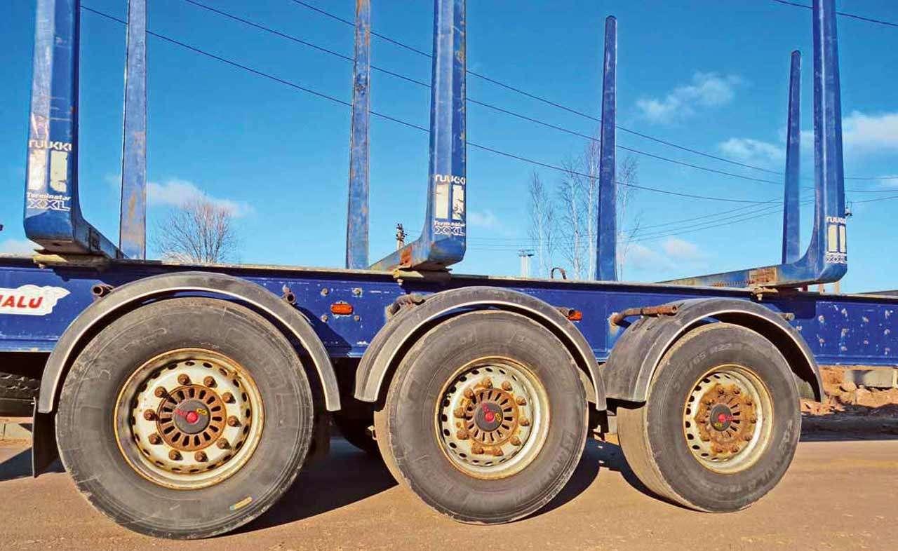 Алюминиевые прицепы-лесовозы Benalu: больше груза заодин рейс— фото 1138184