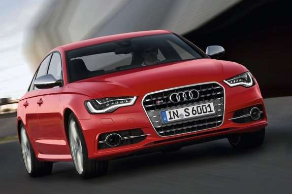 Audi S6 side-front view