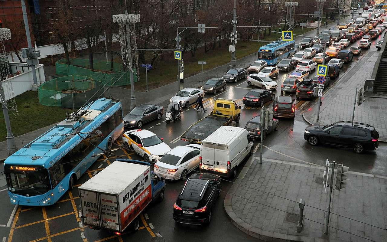 Москва покинула один топ-5 по загруженности дорог и возглавила другой