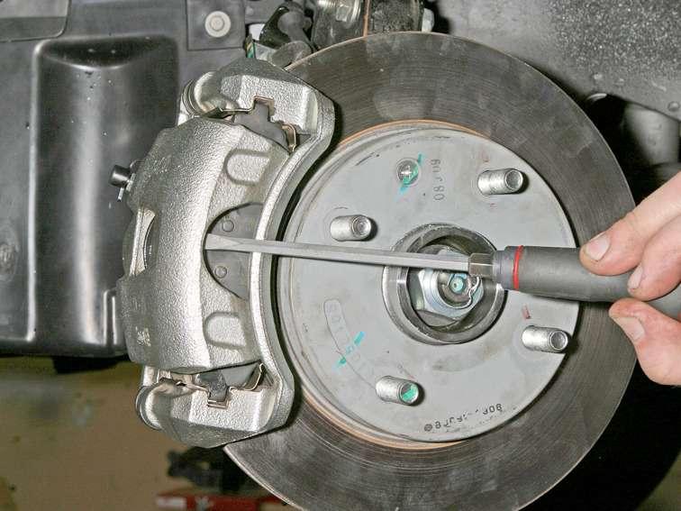 Замена передних тормозных колодок на шевроле лачетти своими руками видео