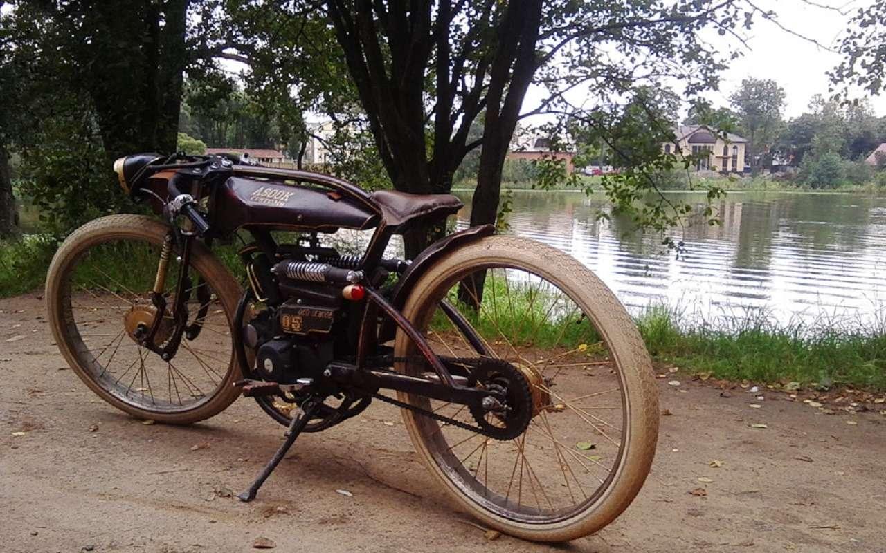 Житель Санкт-Петербурга создает шедевры надвух колесах. Ихможно купить— фото 1125911