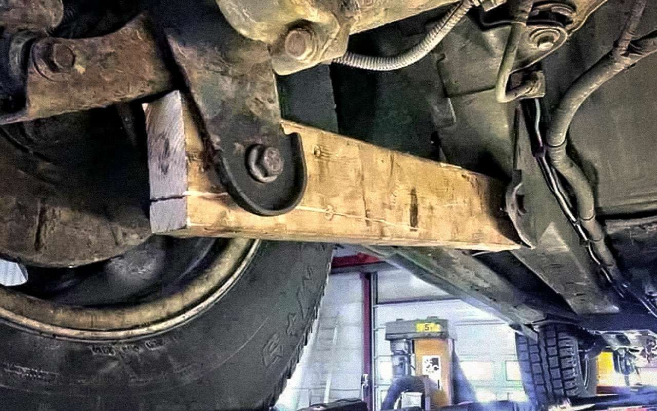 Сервисмены вшоке! Как добраться насломанной машине доСТО— фото 864381
