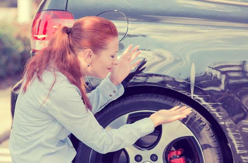 Чтоделать, если ваш автомобиль пострадал напарковке?