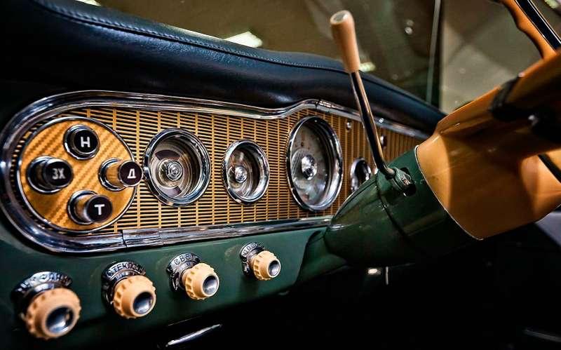 Чайка ГАЗ-13— блок автоматической коробки передач