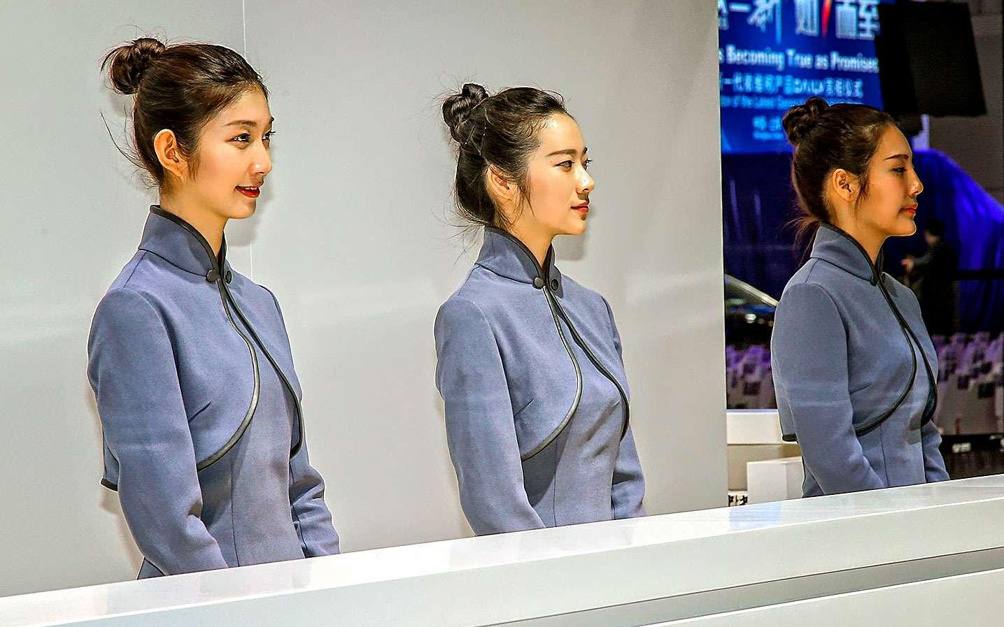 China inYour eyes: цепляющий взгляд девушек Шанхая— фото 739431