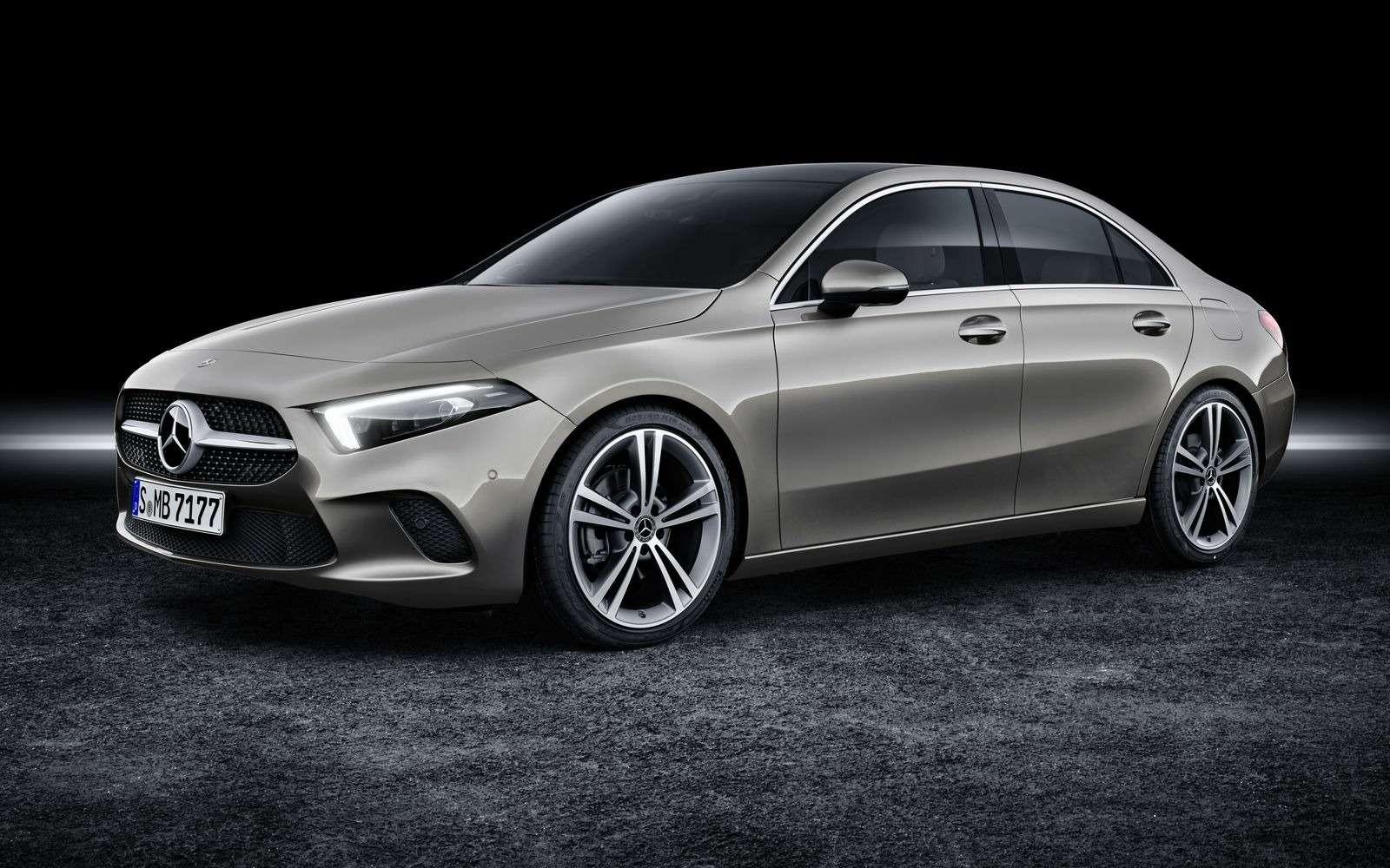 Евростандарт: представлен короткий седан Mercedes-Benz A-класса— фото 890429