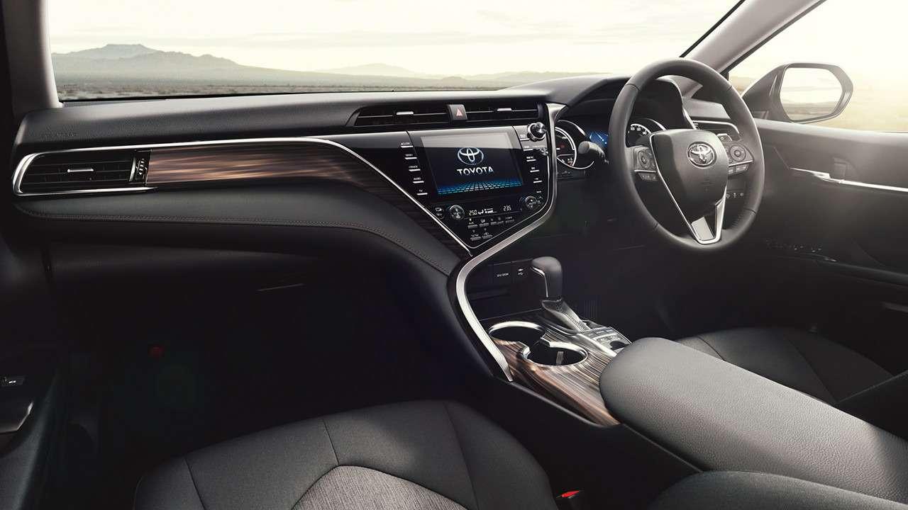 Одна навсех: новая Toyota Camry добралась дородины— фото 753379