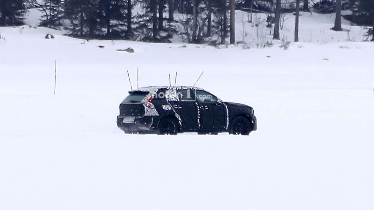 Кроссовер Volvo XC40 срывает покров тайны— фото 703924