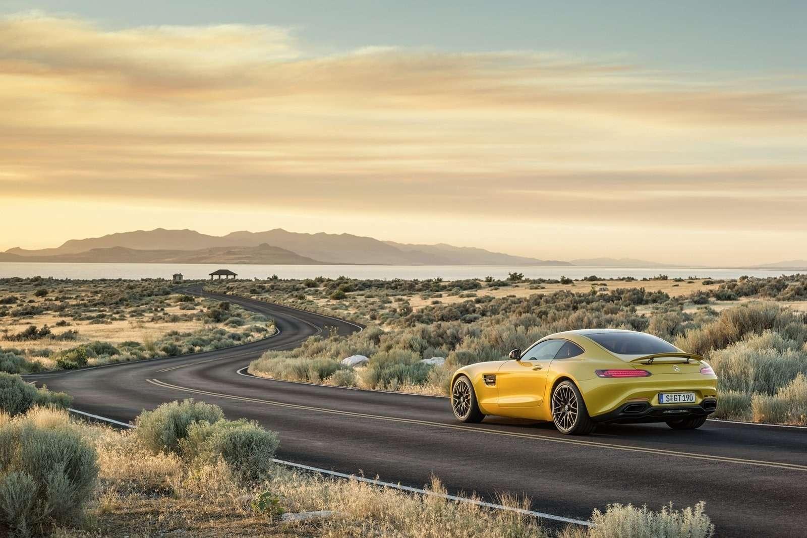 Mercedes-Benz-AMG_GT_2016_1600x1200_wallpaper_0e