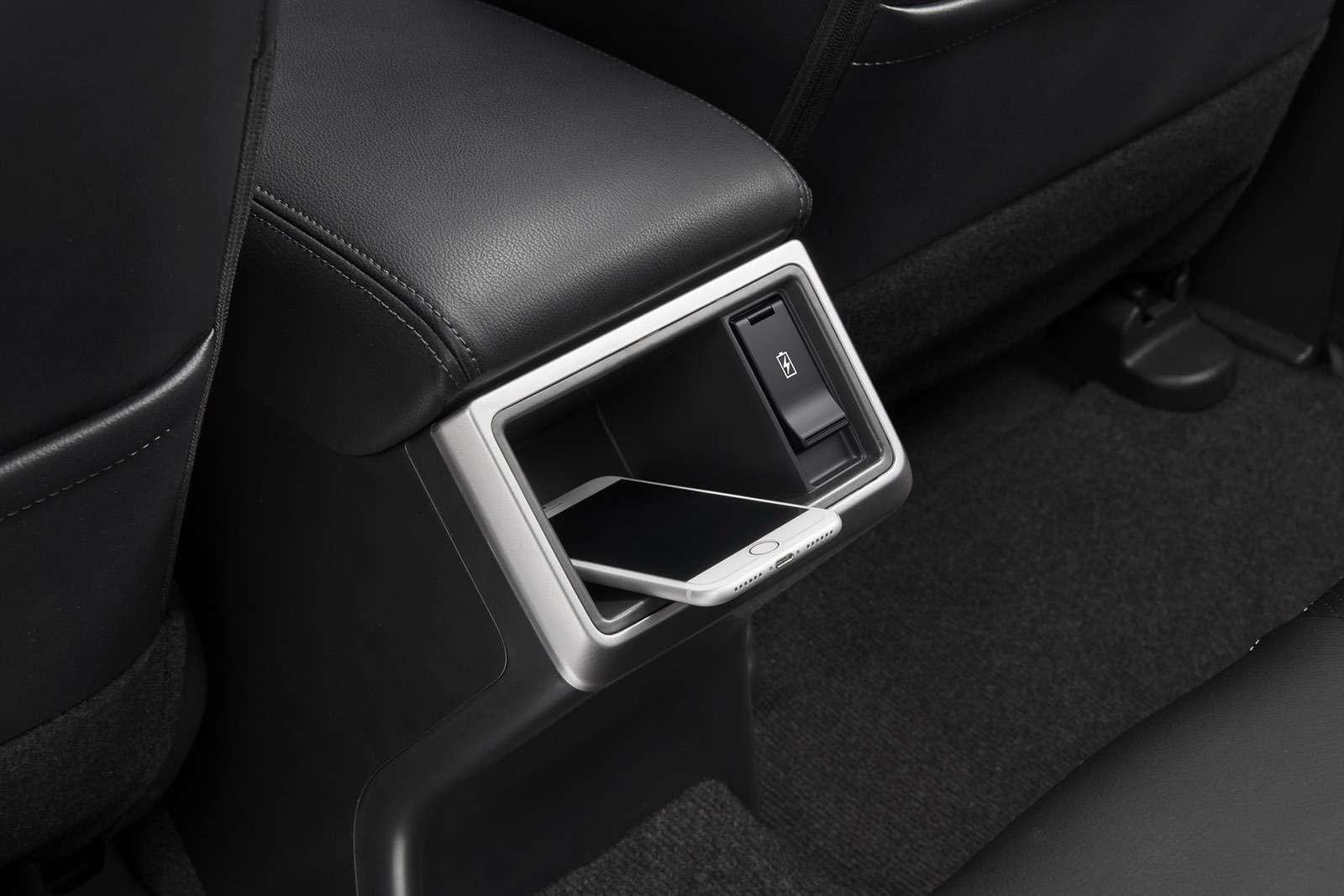Новый или обновленный? Пикап Mitsubishi L200в деталях— фото 921988