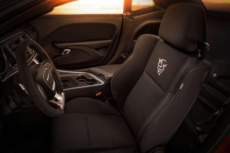 ПриНиксоне такого небыло: Dodge Challenger SRT Demon представлен официально
