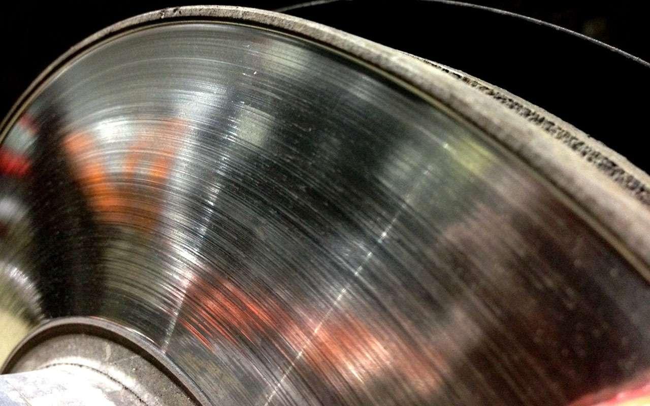 KiaSportage спробегом: износ колодок, стучащая рейка иеще 3проблемы— фото 1006738