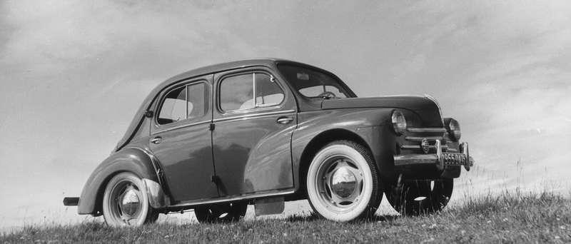 Renault 4CV 1946 года стала первой малолитражкой, примерившей новые шины Michelin.