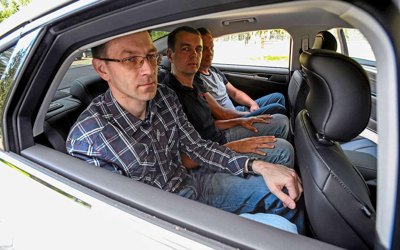 Toyota Camry против конкурентов— сравнительный тест— фото 882448