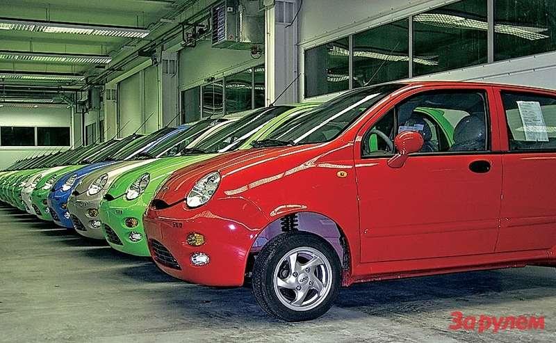 Китайские производители пытались завоевать наш рынок, продвигая недорогие легковые авто классов А, ВиС.