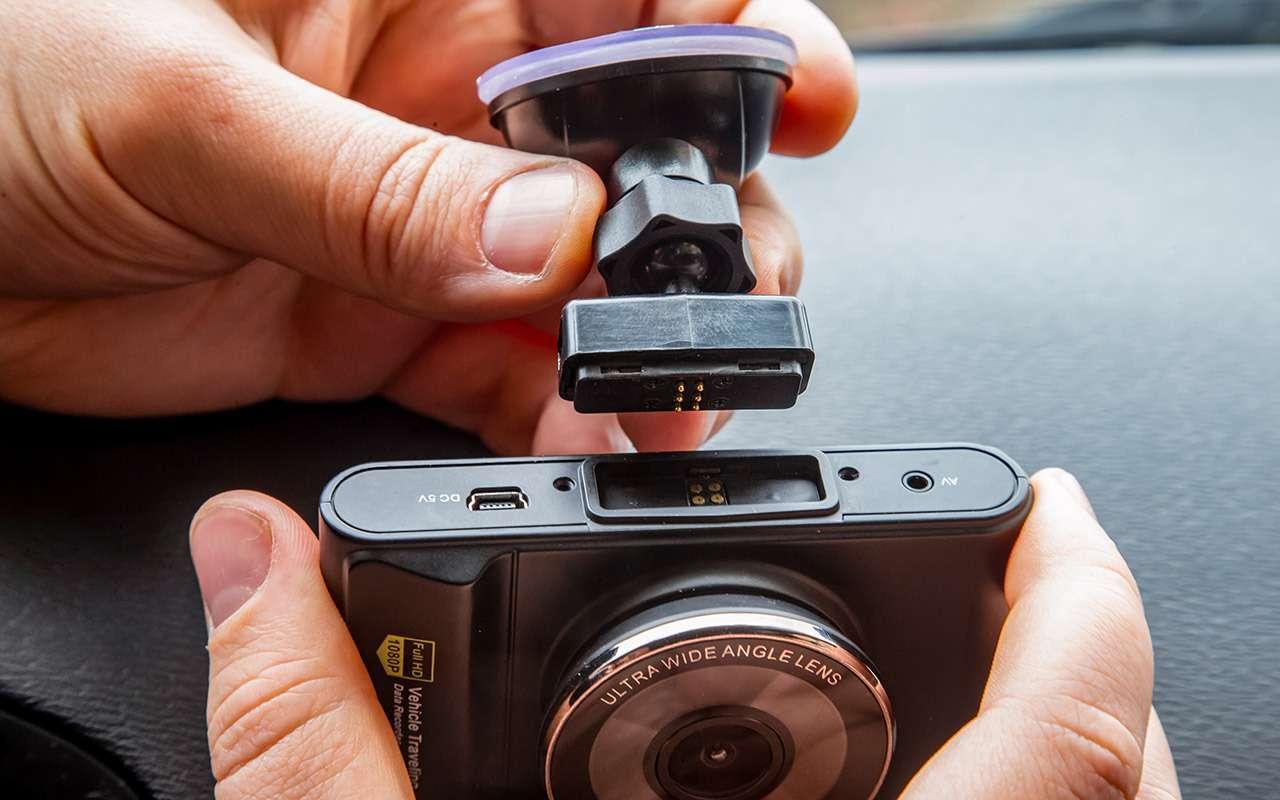 Тест шести новых видеорегистраторов: за3тысячи иза6— фото 1004450