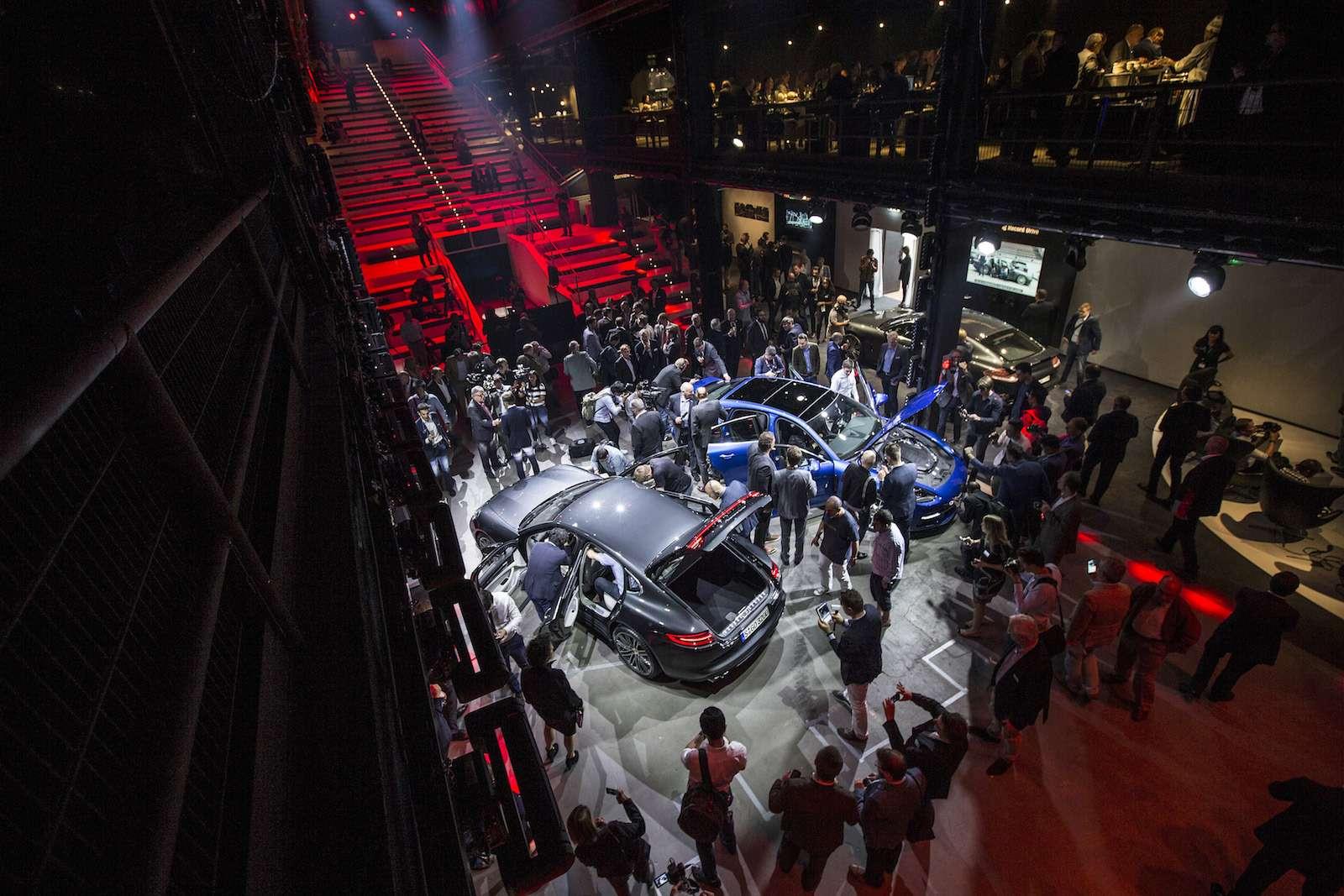 Новую Porsche Panamera показали российским СМИ— фото 630864