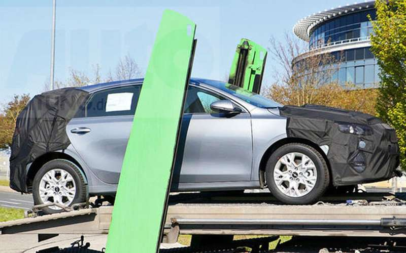 Обновленный Kia Ceed впервые замечен надороге