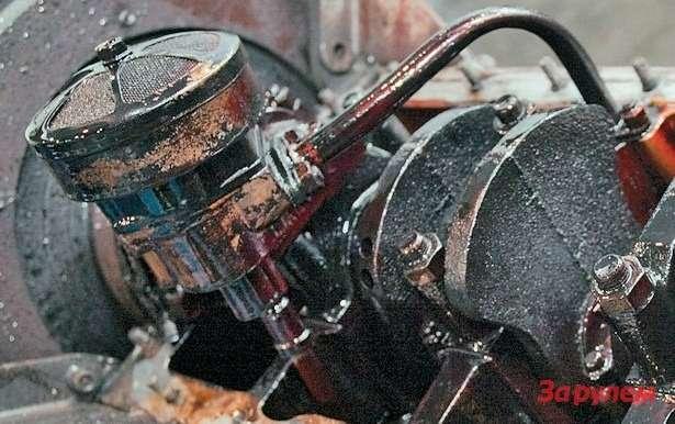 Мотор изнутри довольно чумазый,но сетка маслоприемника чистая