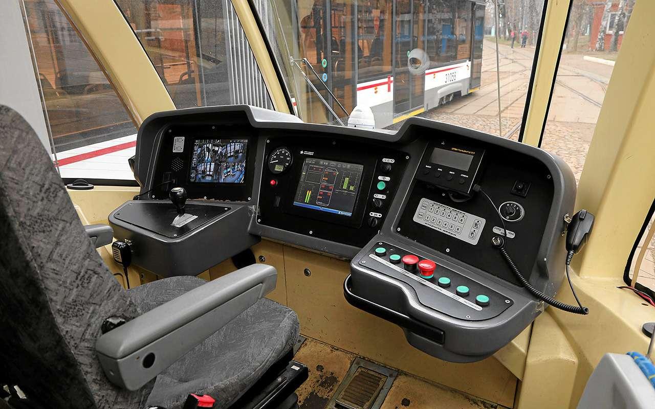 «Шустрых меньше стало»— что думает водитель трамвая онас, автомобилистах— фото 967432
