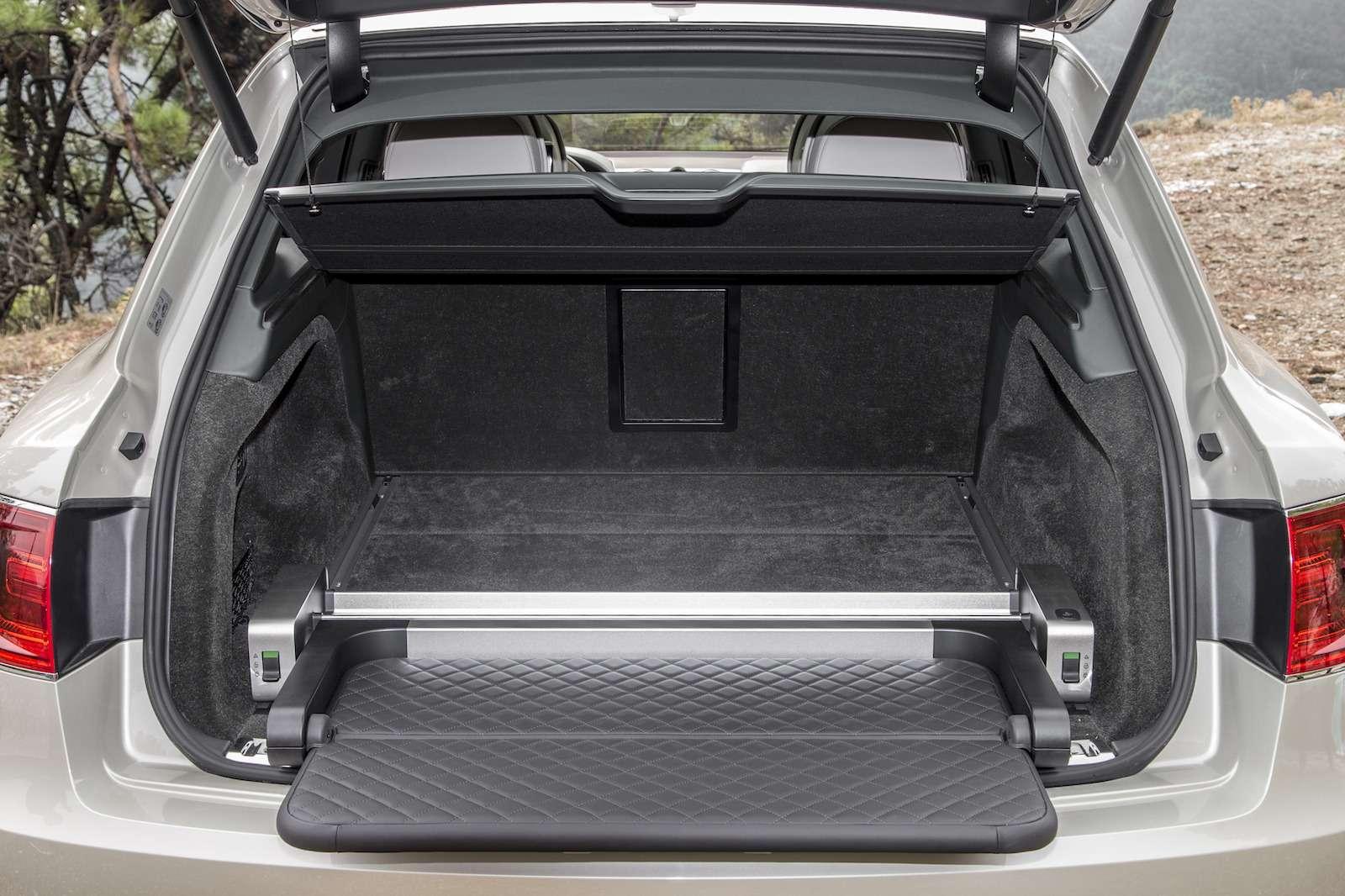 Bentley Bentayga Diesel: 4,8до сотни— самая медленная версия!— фото 884155