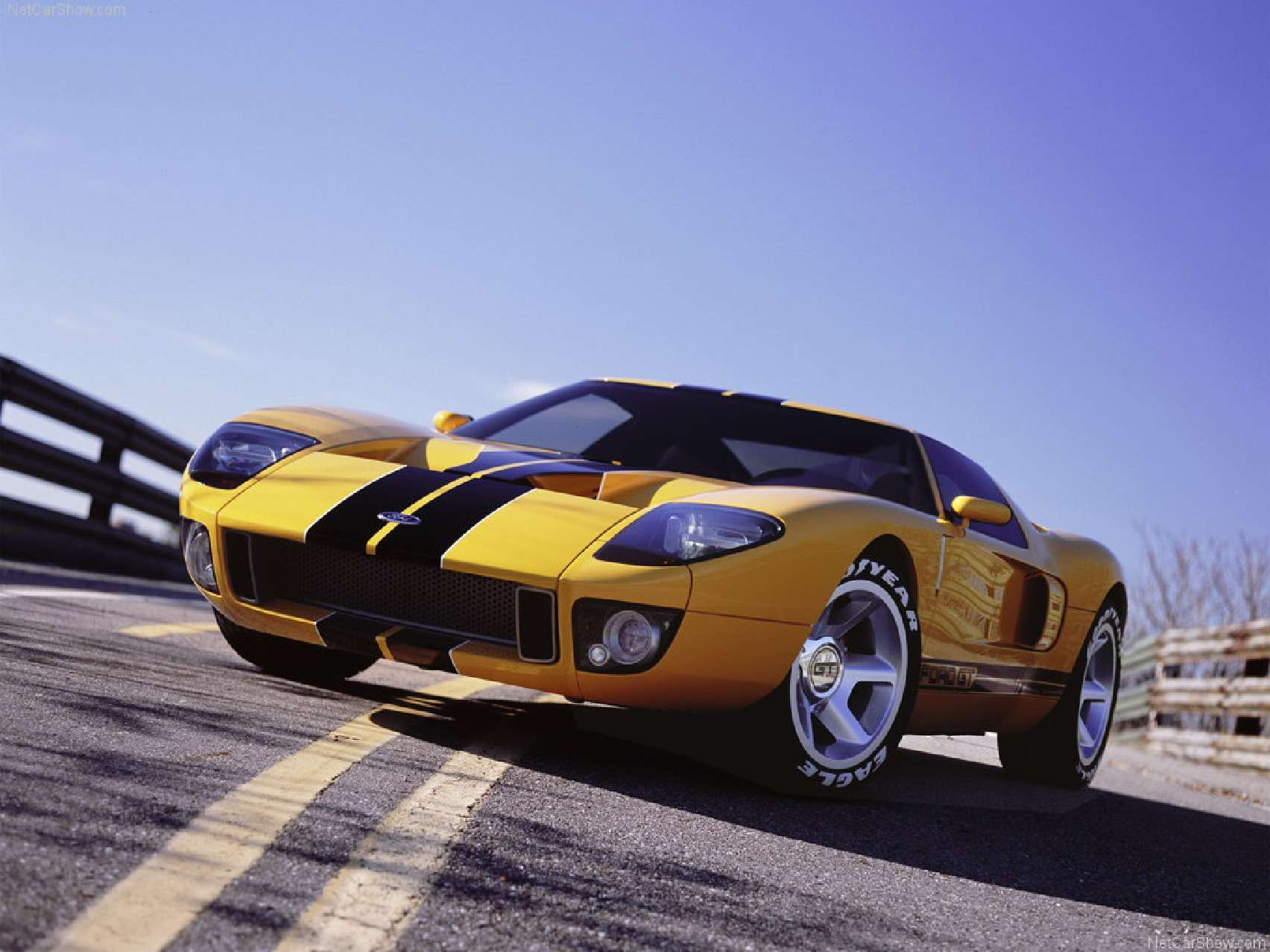 Ford_GT40_no_copyright