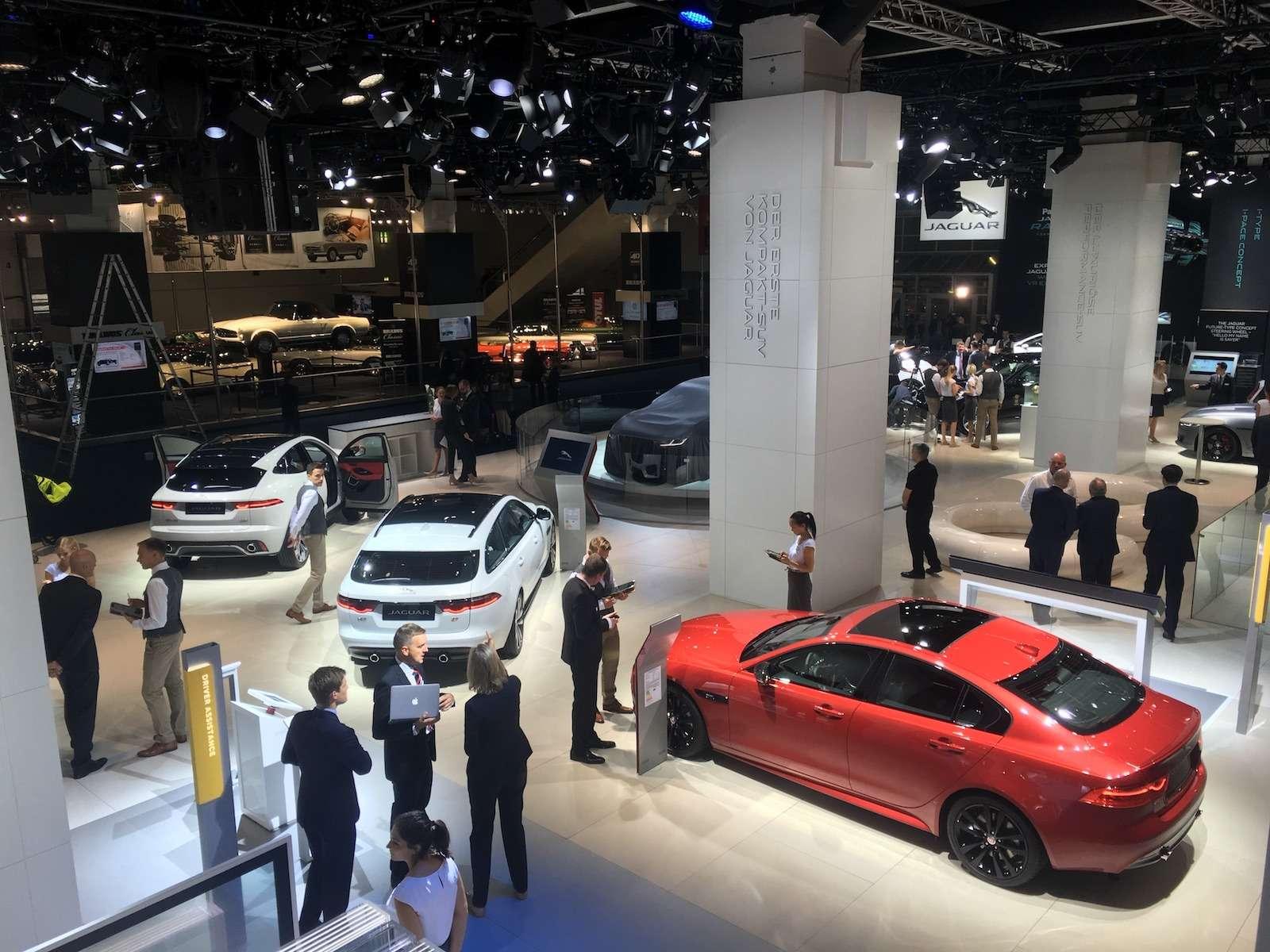 Новый Duster идругие премьеры автосалона воФранкфурте: онлайн-трансляция. Часть 1— фото 793544