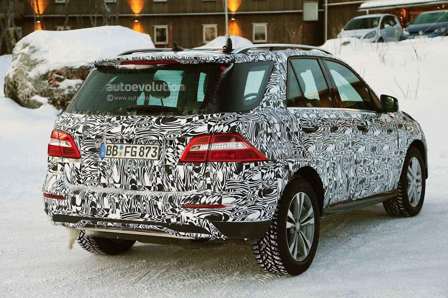 2015 mercedes benz m class facelift spied in lapland photo gallery 1080p 7 no copyright