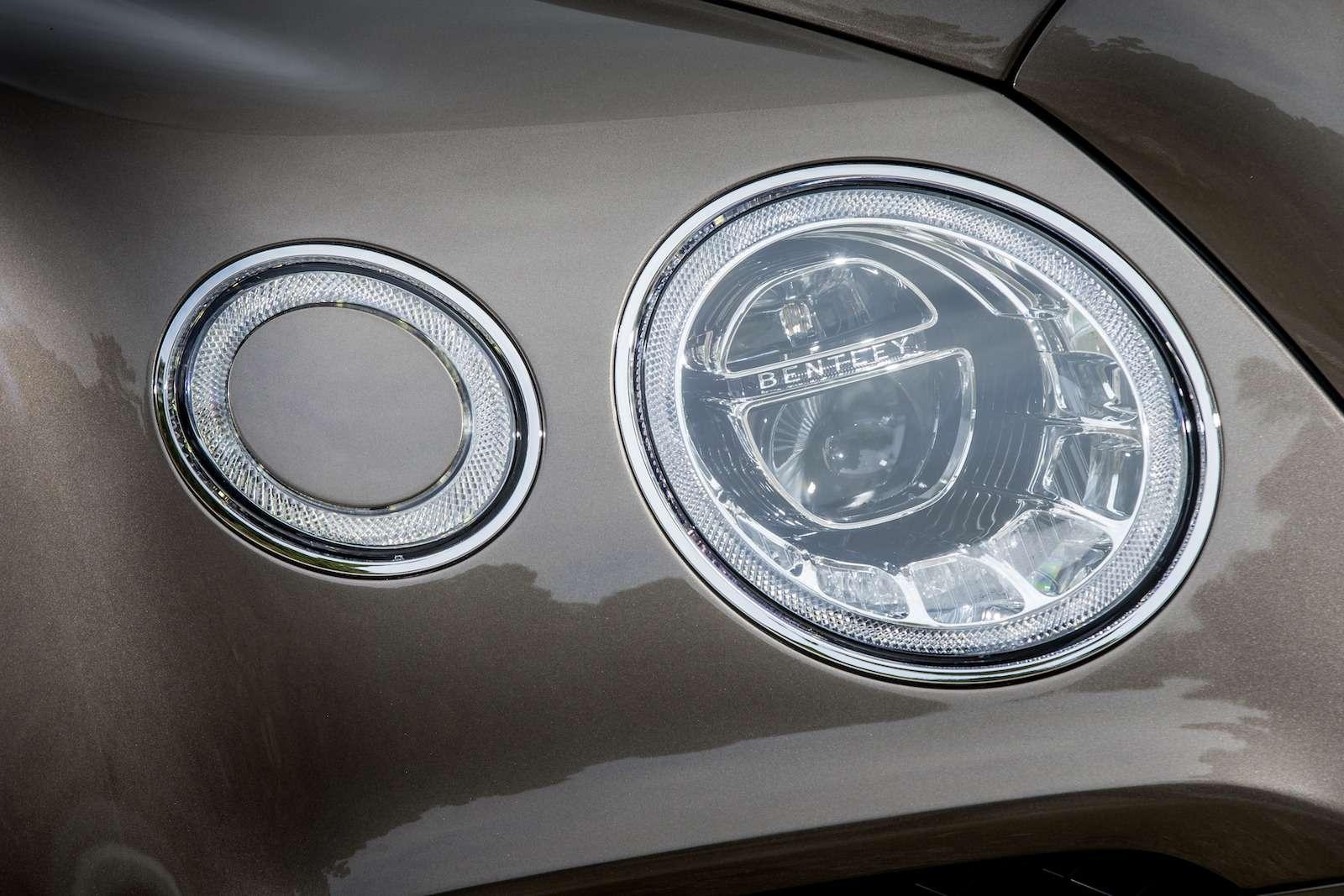 Bentley Bentayga Diesel: 4,8до сотни— самая медленная версия!— фото 884134