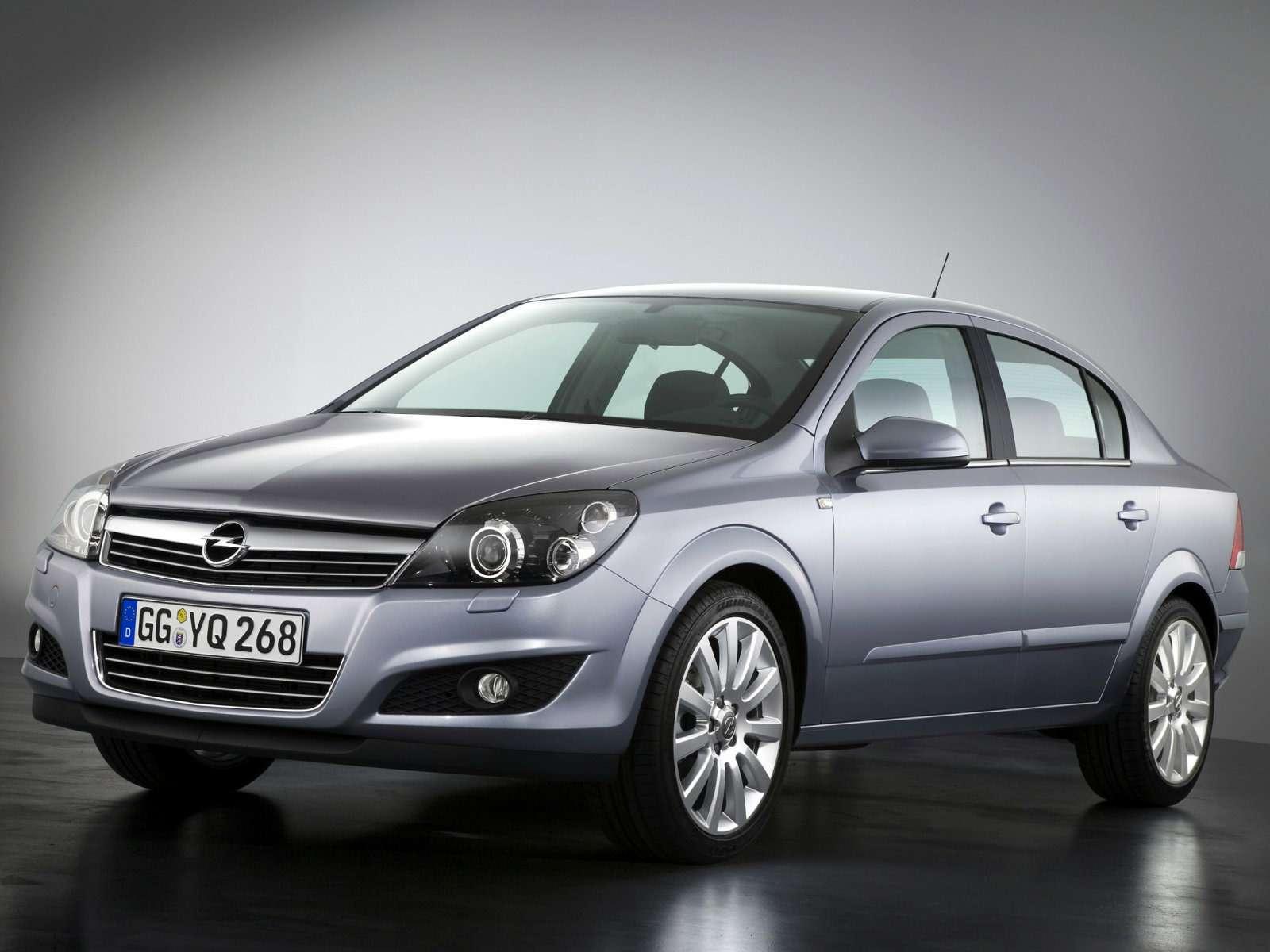 Opel_Astra_Sedan_2007