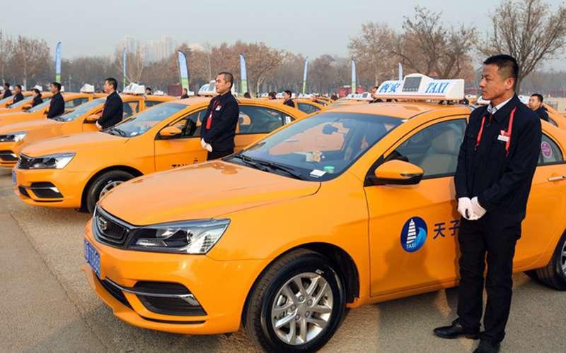 Китай переводит такси и«членовозы» наметиловый спирт