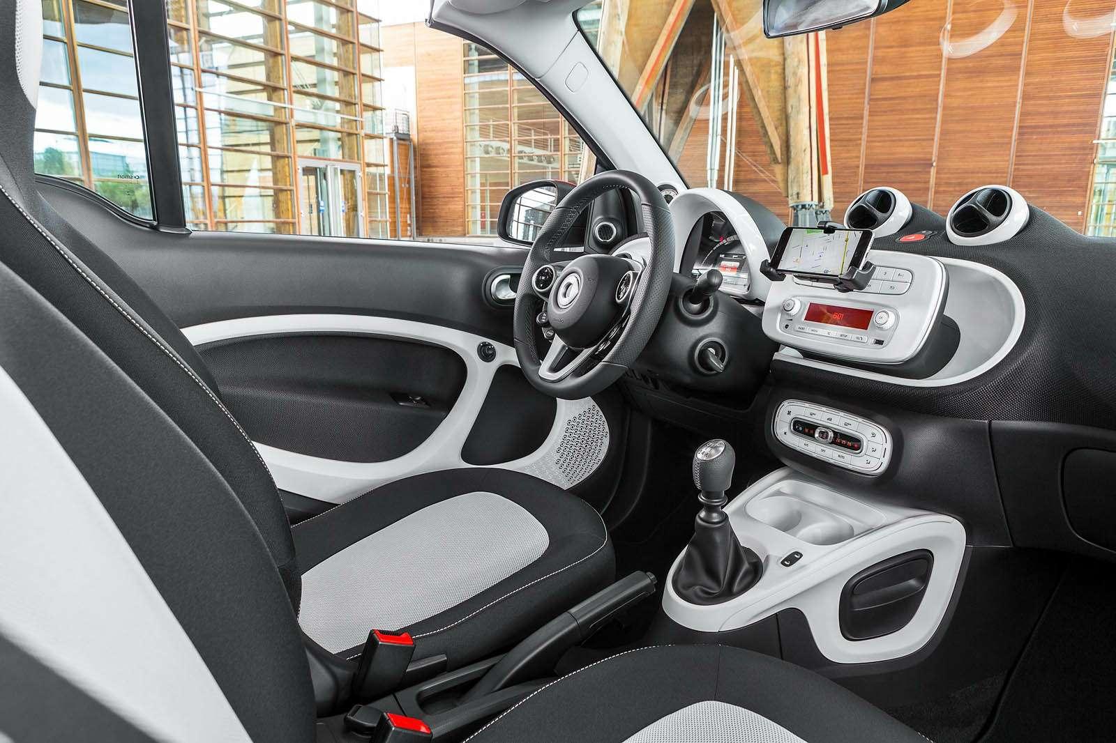 Кабрио-лето: обзор самых доступных автомобилей соткрытым верхом— фото 602512