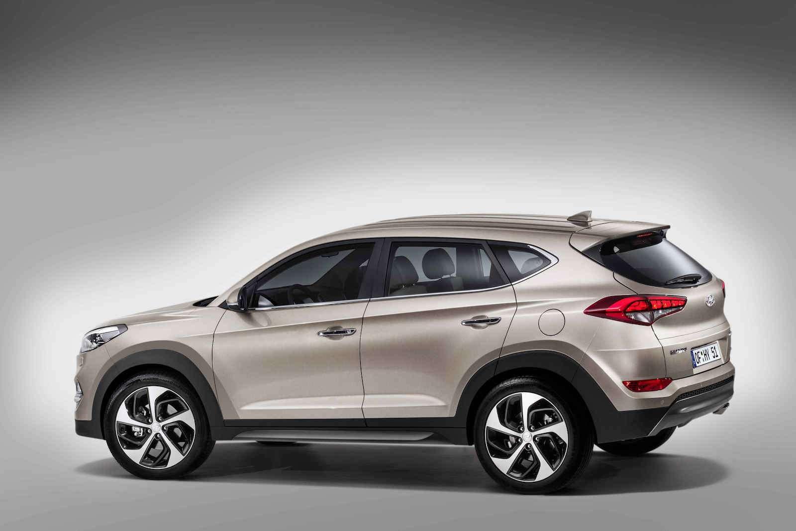 Hyundai Tucson или Santa Fe: на что потратить два миллиона рублей? — фото 601323