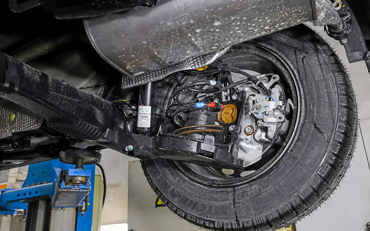 Peugeot Partner изКалуги: рассмотрели совсех сторон!— фото 1231051