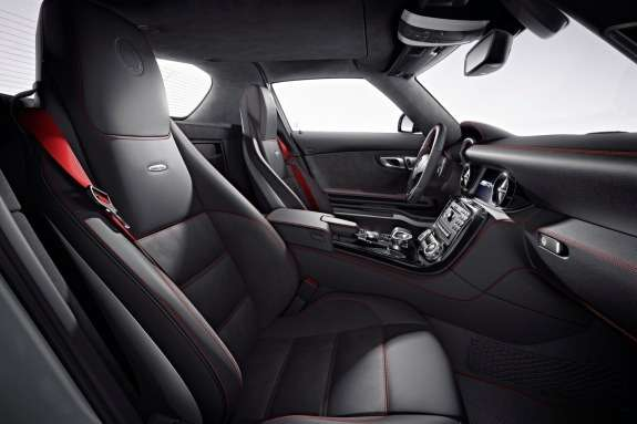 Mercedes-Benz SLS AMG inside 2